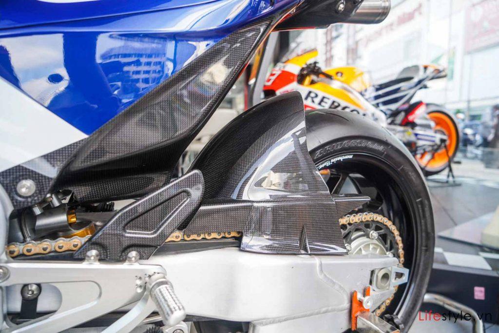Ngắm siêu mô tô đường phố Honda RC213V-S ảnh 10