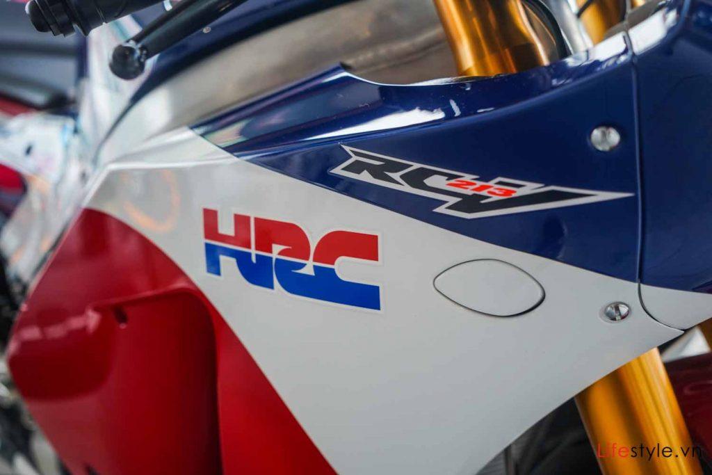 Ngắm siêu mô tô đường phố Honda RC213V-S ảnh 3