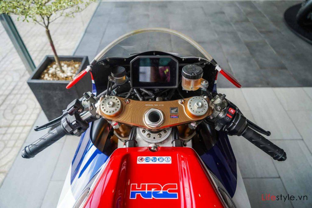 Ngắm siêu mô tô đường phố Honda RC213V-S ảnh 7