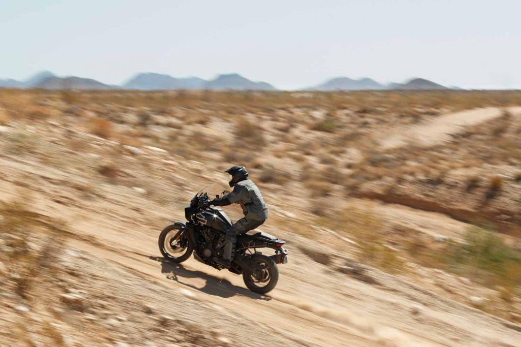 """""""Tân binh"""" Adventure của Harley-Davidson Pan America 1250 chuẩn bị chào sân đầu năm 2021 ảnh 3"""