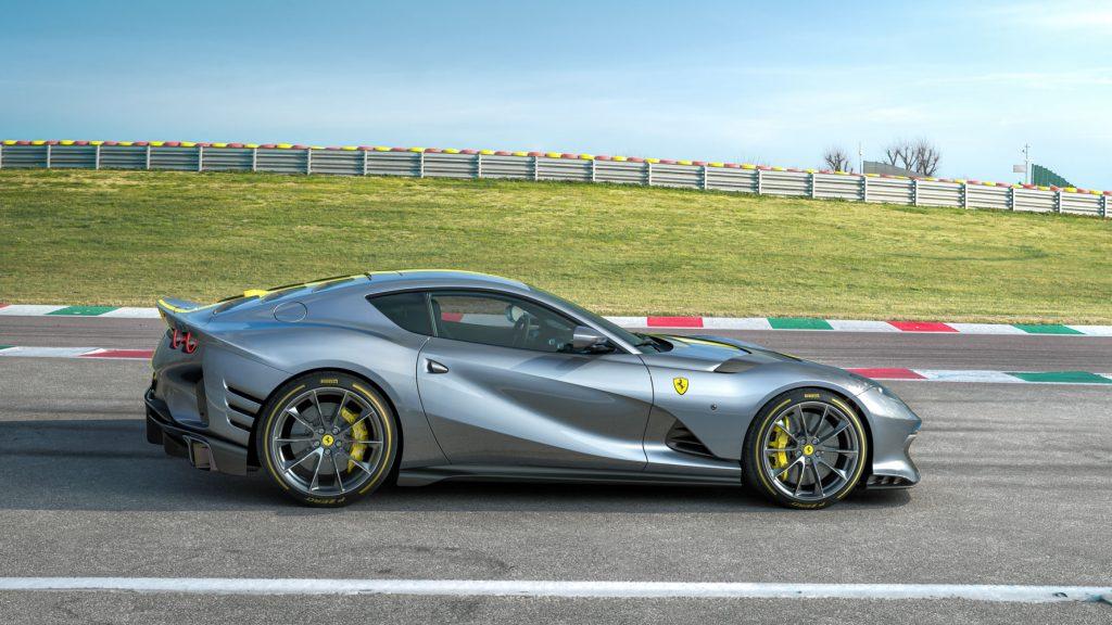 Đếm ngược thời khắc ra mắt Ferrari 812 Superfast phiên bản giới hạn động cơ V12 ảnh 3