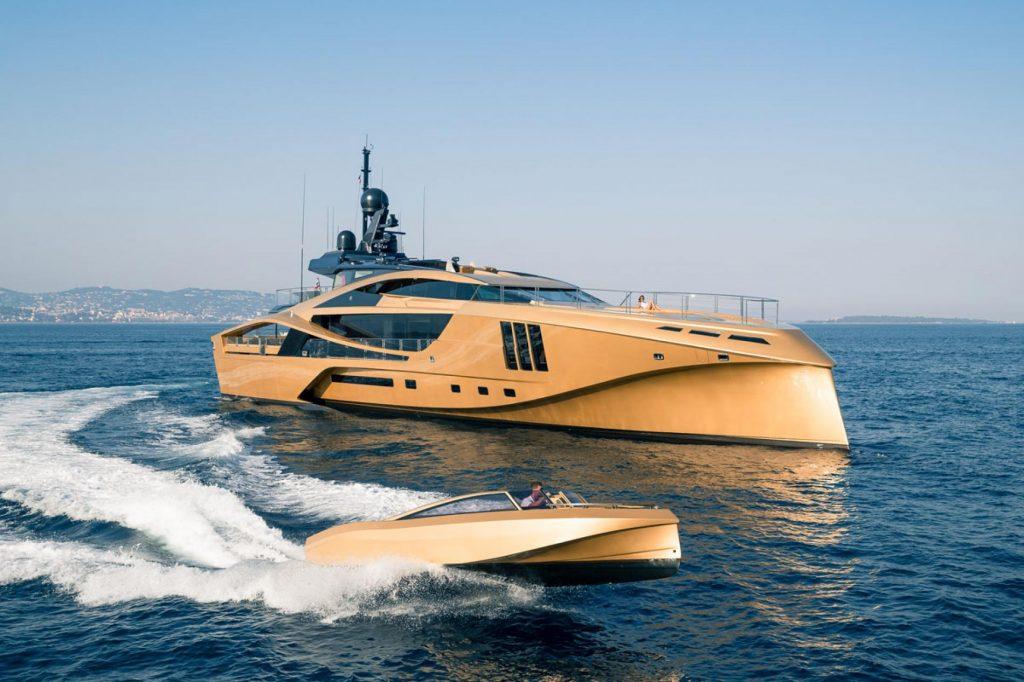 Nghỉ dưỡng trên du thuyền Khalilah sợi carbon trị giá 31 triệu USD