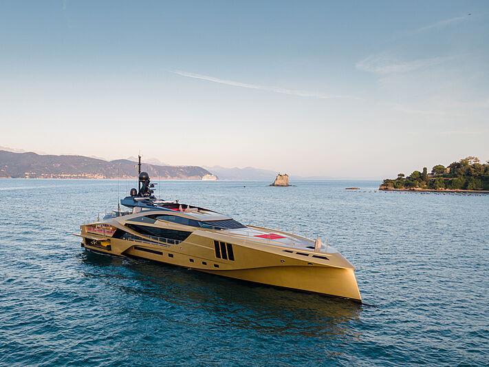 Nghỉ dưỡng trên du thuyền Khalilah sợi carbon trị giá 31 triệu USD ảnh 21