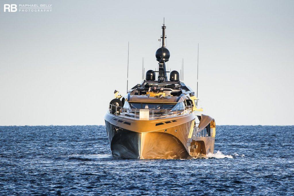 Nghỉ dưỡng trên du thuyền Khalilah sợi carbon trị giá 31 triệu USD ảnh 22
