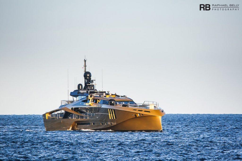 Nghỉ dưỡng trên du thuyền Khalilah sợi carbon trị giá 31 triệu USD ảnh 24
