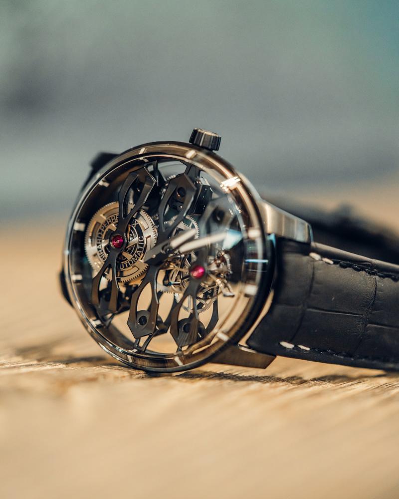 Đồng hồ Aston Martin - Girard-Perregaux phiên bản giới hạn, giá gần 3,5 tỷ đồng ảnh