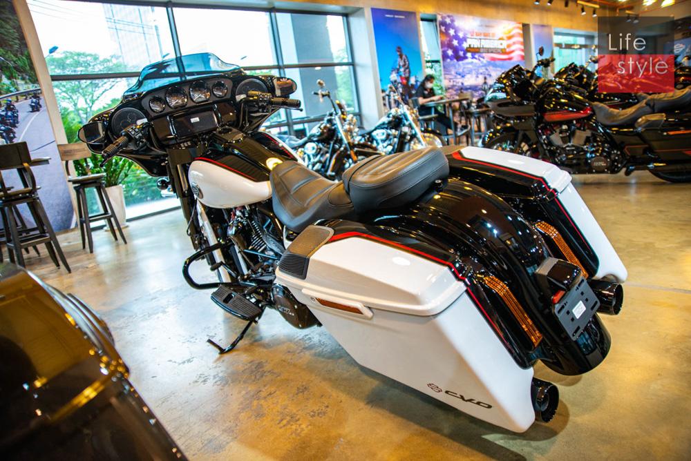 Harley-Davidson CVO Street Glide 2021 đầu tiên về Việt Nam, giá 2 tỷ đồng ảnh 35