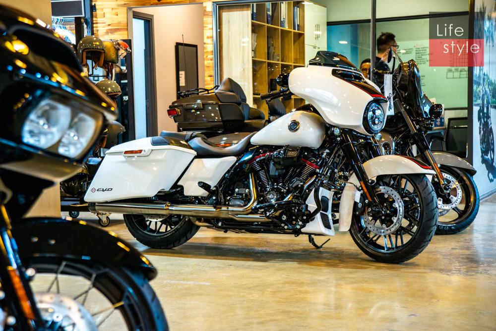 Harley-Davidson CVO Street Glide 2021 đầu tiên về Việt Nam, giá 2 tỷ đồng ảnh 38